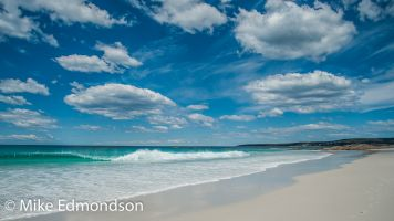 Bay Of Fires Crystal turquose water , sand & sykies